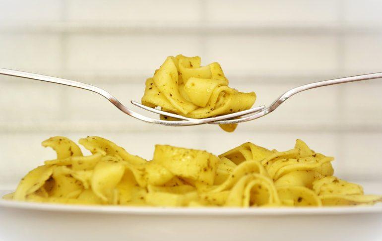 pasta-white